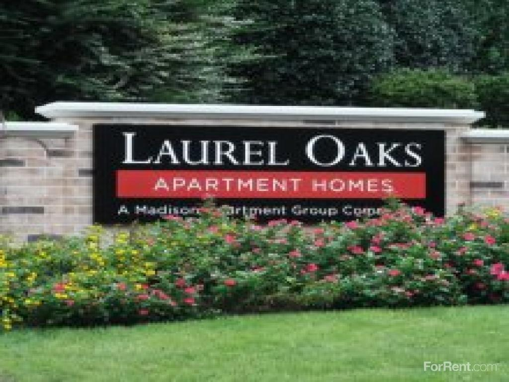 Laurel Oaks Apartments photo #1