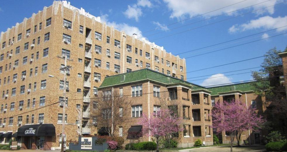 6 S McLean Blvd Apartments photo #1