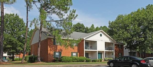 1,318 sq. ft. - $790/mo - Augusta - convenient location. Parking Available! photo #1