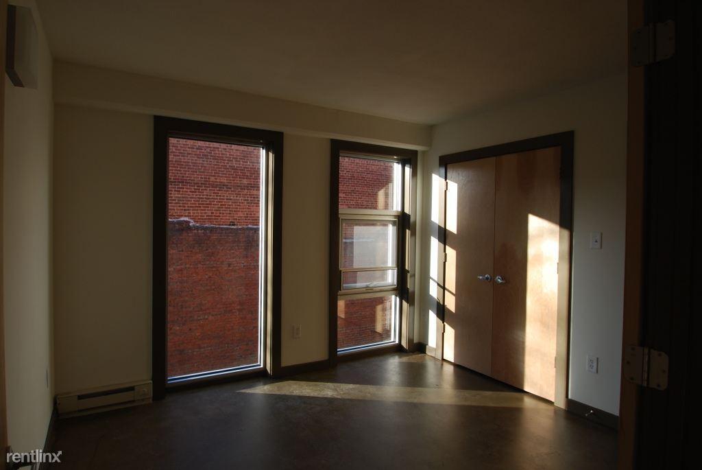 314 W Grace St Apartments photo #1
