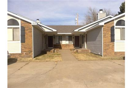 3 bedroom townhome in SE Wichita