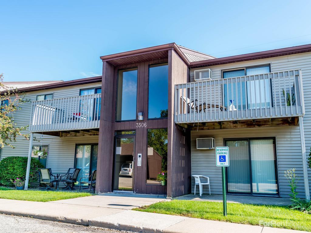 Corner Ridge Apartments photo #1