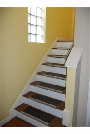 Quiet, Convenient 2nd floor, 2-bedroom in 2-Family