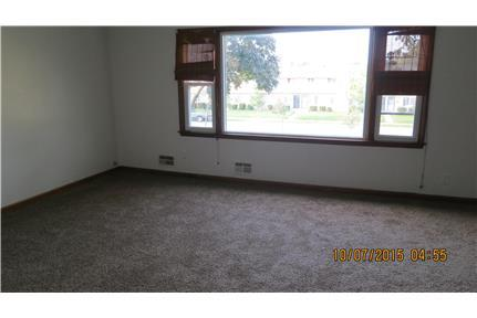 3 bedroom Milwaukee available now