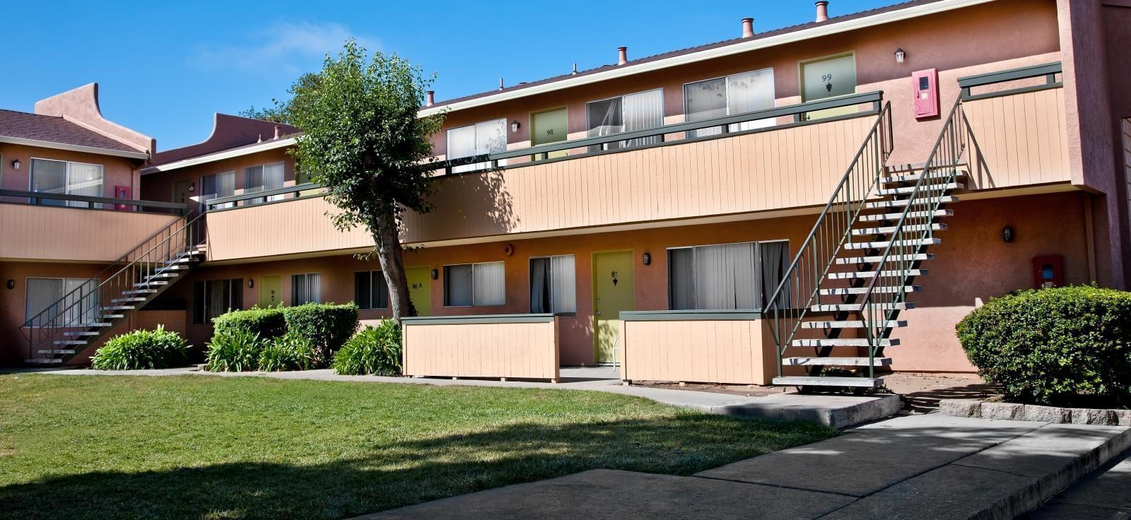 Boronda Manor Apartments photo #1
