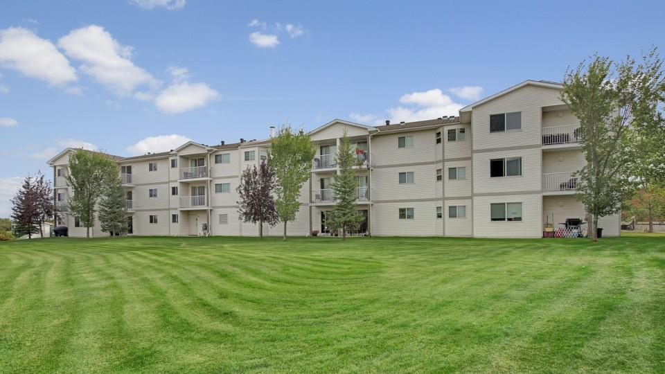 Aspen terrace apartment homes apartments camrose ab for Terrace in apartment