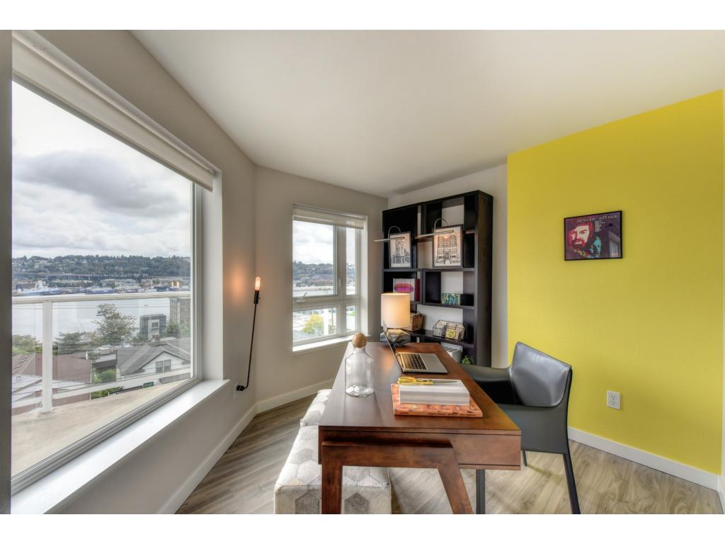 The Summit At Lake Union Apartments
