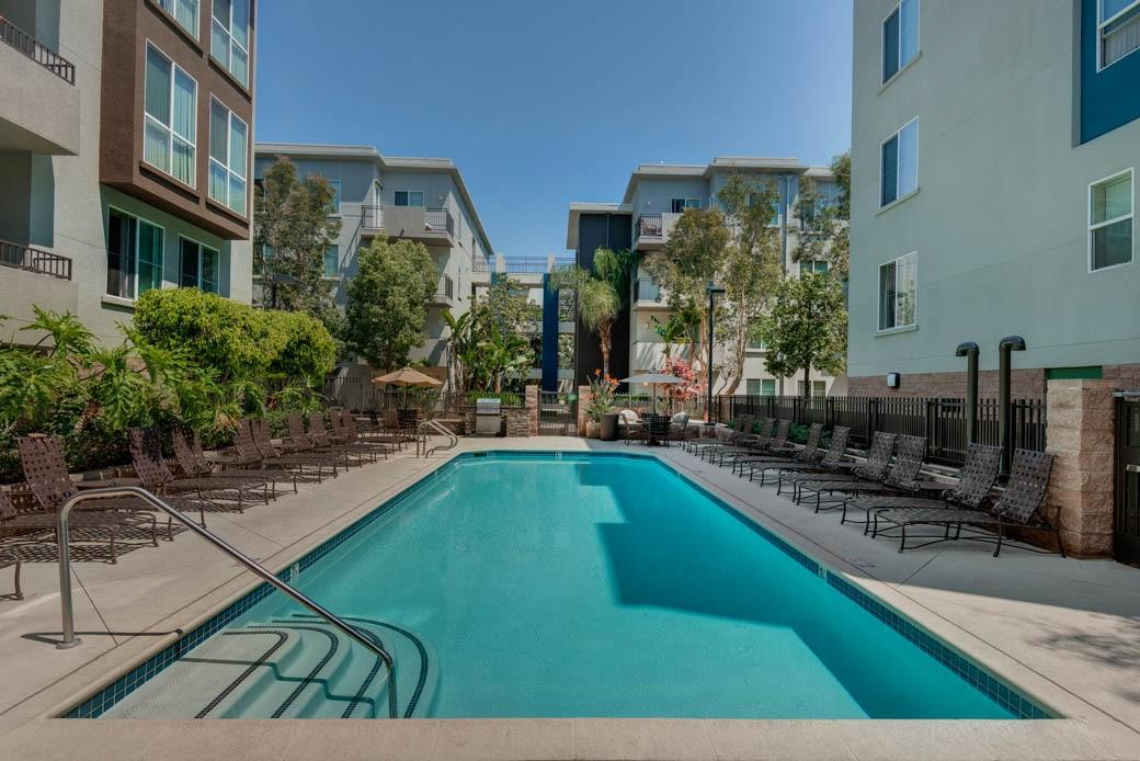 The Ventana Apartments, Los Angeles CA - Walk Score