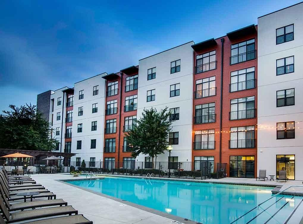 525 Glen Iris Drive NE Apartments photo #1