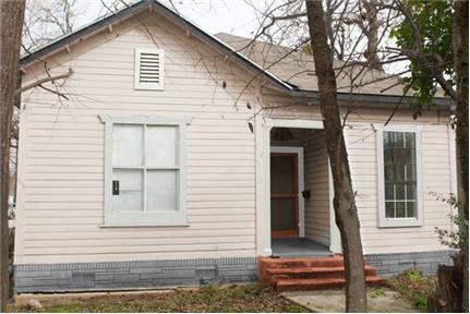 $700 / 800ft2 - Remodeled BIG 1br/1ba House 4 mins