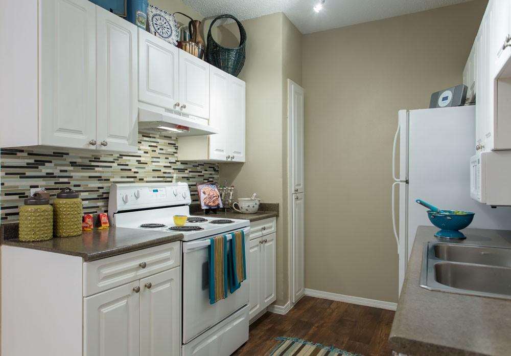 the residence at north dallas apartments dallas tx walk score. Black Bedroom Furniture Sets. Home Design Ideas