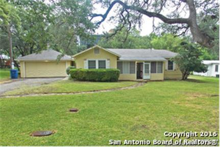 1 STORY HOME RIGHT IN THE THE MEDICAL CENTER!