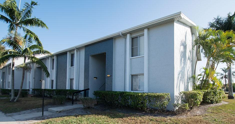 Pinellas Point Apartments