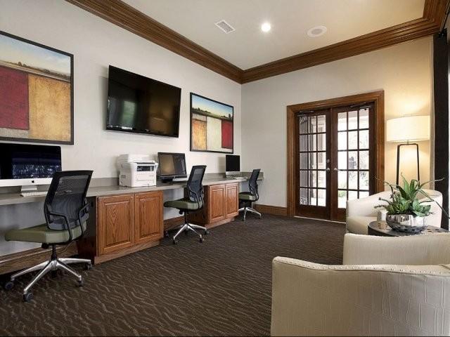 Lantana Ridge Apartments photo #1
