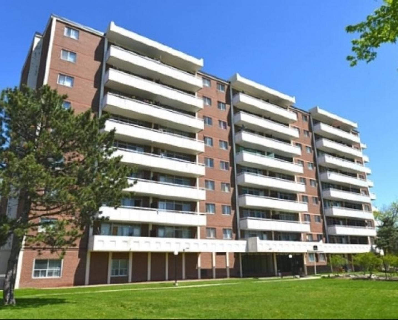 1 Rosemount Apartments photo #1