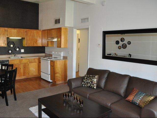 Regency Square Apartments Photo 1