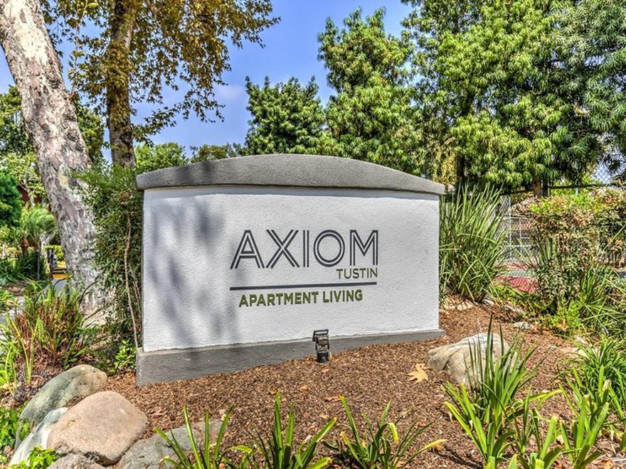 Axiom Tustin Apartments photo #1