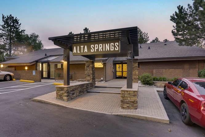 Alta Springs Apartments photo #1