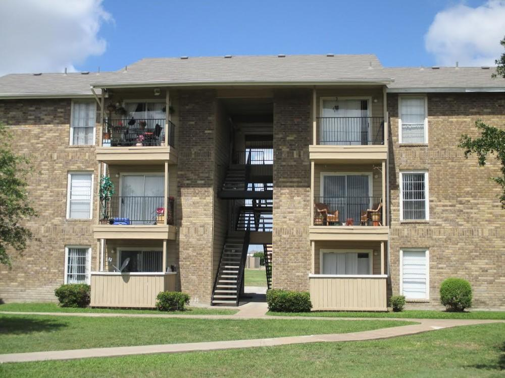 Wymberly Pointe Apartments photo #1