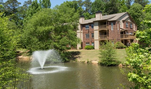 The Lakes at Windward Apartments photo #1