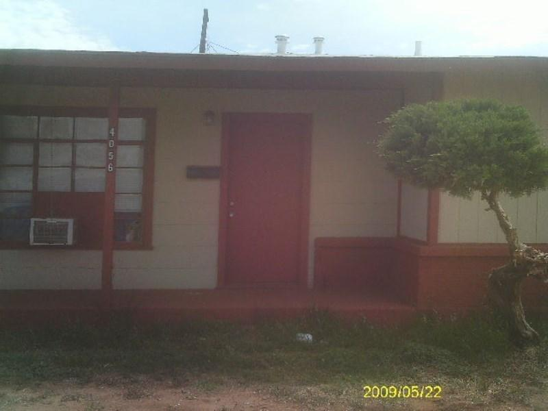 200 First Month Rent 79 Deposit 35 App. Apartments photo #1