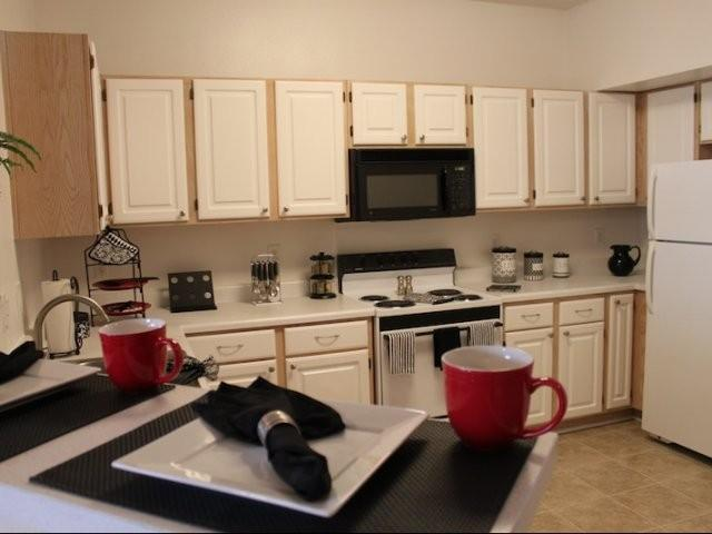 Waterford Crossings Apartments photo #1