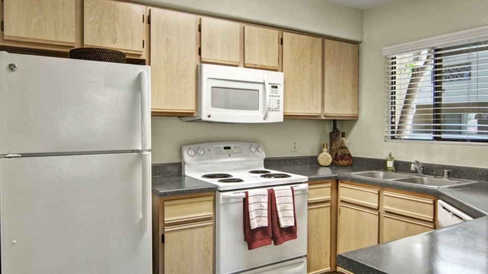 Reserve at Arrowhead Apartments photo #1