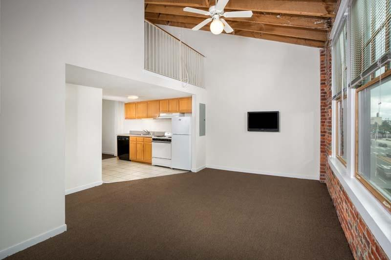 the rent at coliseum lofts apartments ranges from 780 for a studio to