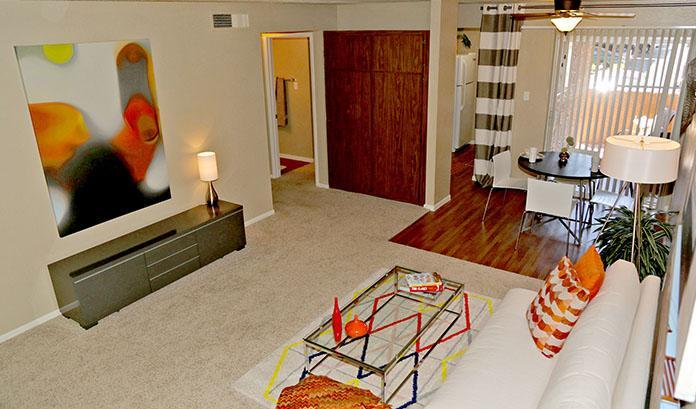 Camelback Cove Apartments photo #1