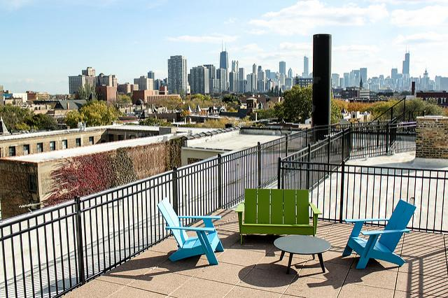 One BR Apartment - If you're not much for great views of downtown Chicago. photo #1