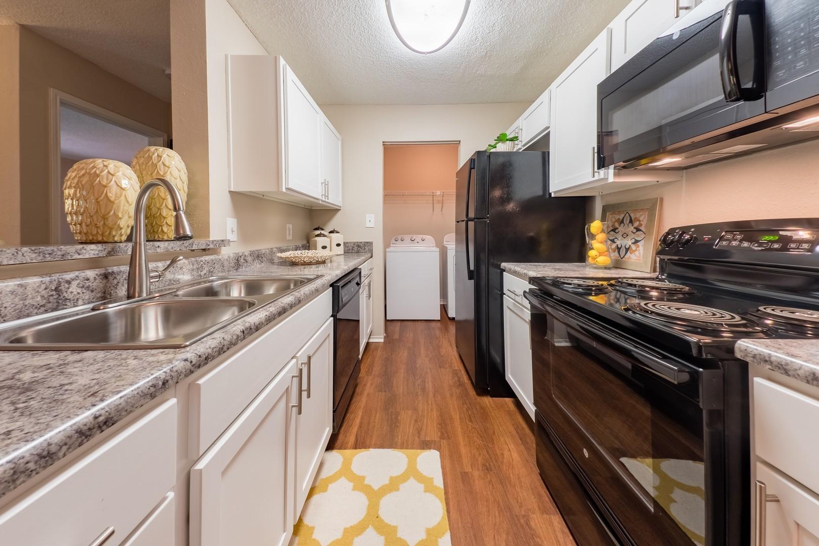1800 at Barrett Lakes Apartments photo #1