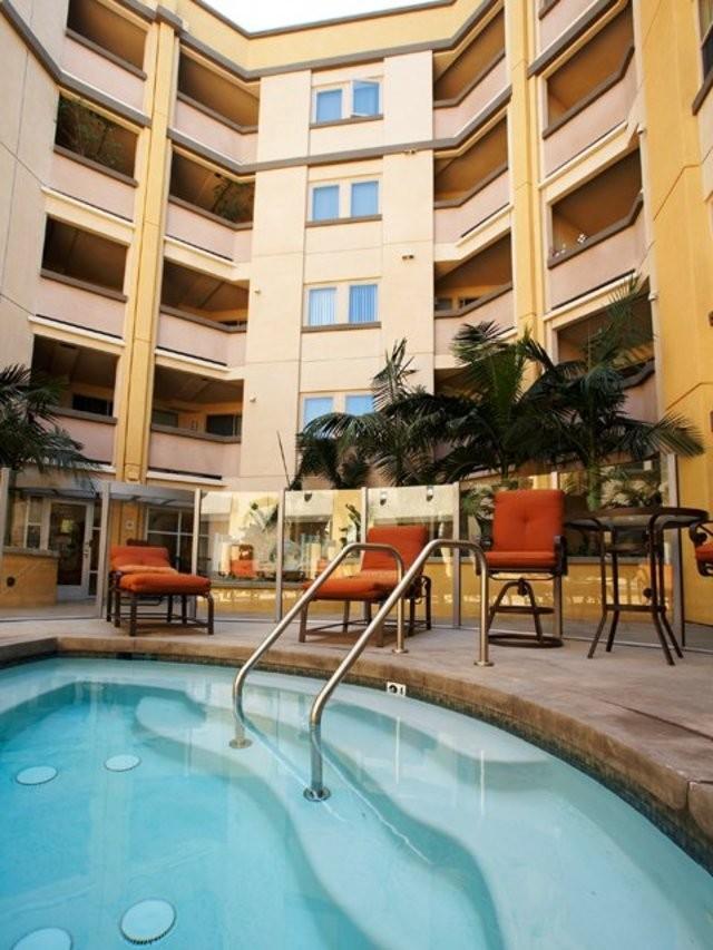 Avalon Wilshire Apartments photo #1