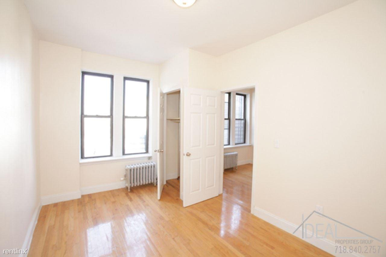 Apartment in Park Slope Apartments photo #1
