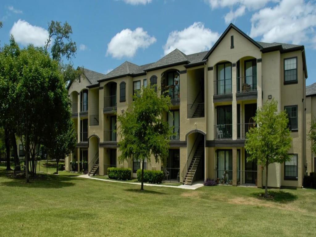 Lakeline Villas Apartments photo #1
