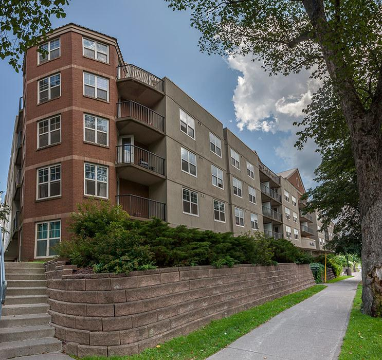 Peninsula Apartments For Rent: Peninsula Place Apartments, Halifax NS