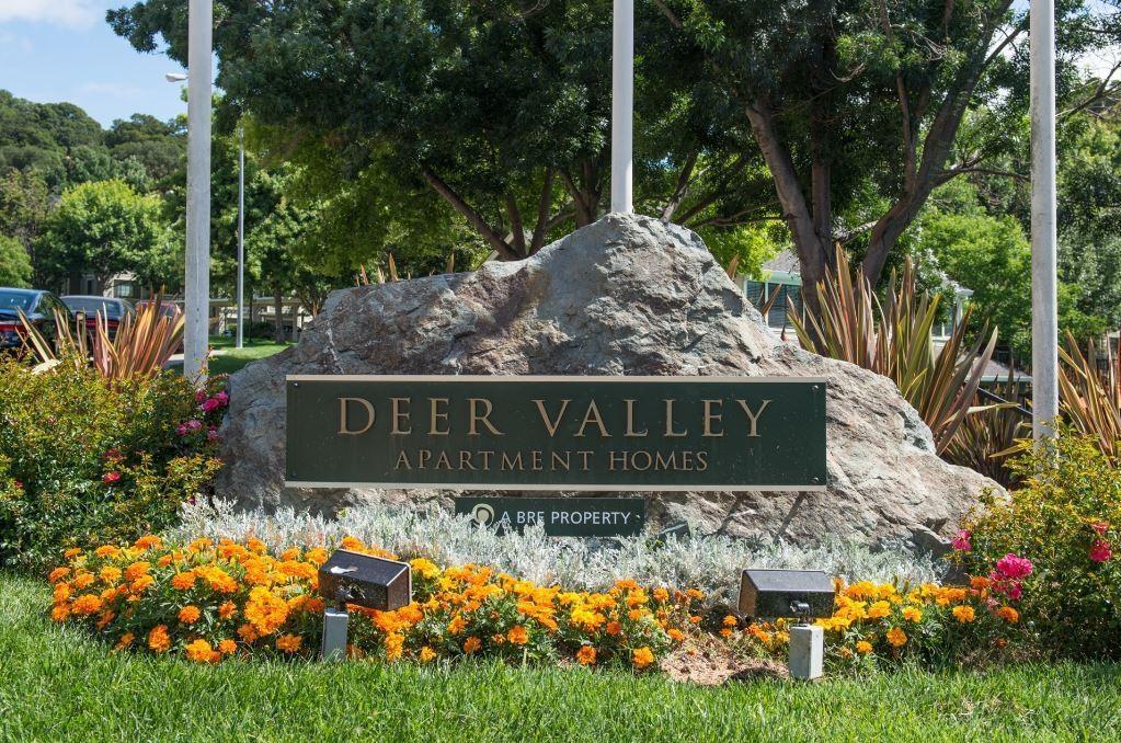 Deer Valley Apartments photo #1