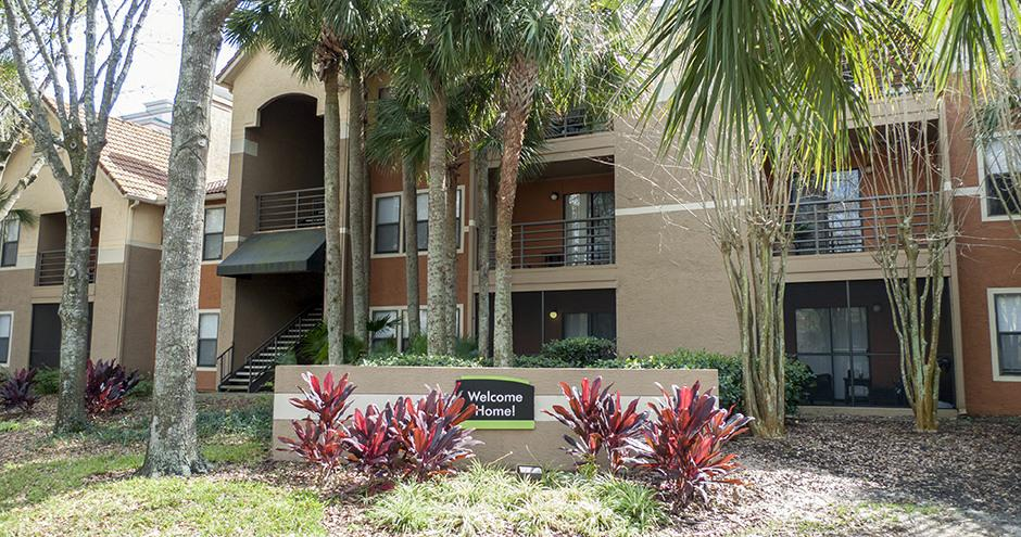 Sabal Palm at Lake Buena Vista Apartments photo #1