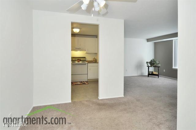 Ridgewood House Apartments photo #1