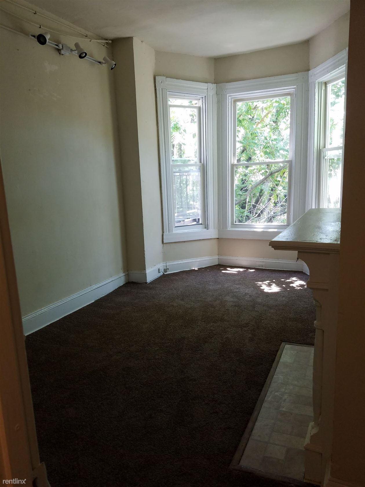SMJ Baltimore LLC Apartments photo #1