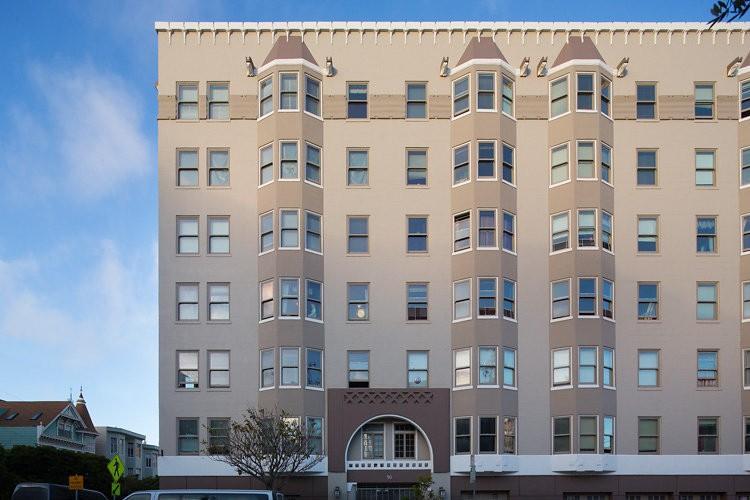 50 LAGUNA Apartments photo #1