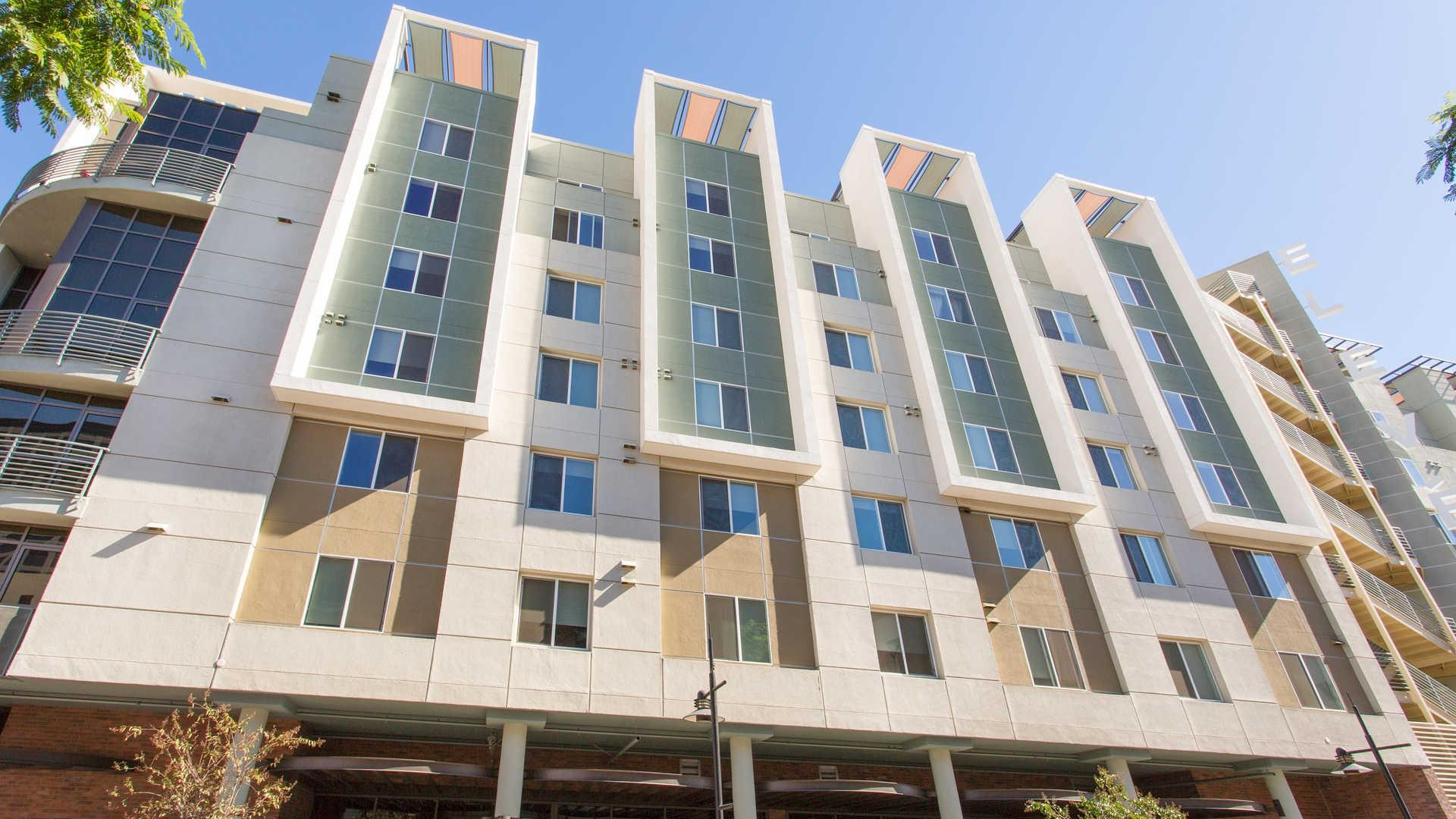 Eleve Lofts And Skydeck Apartments Glendale Ca Walk Score