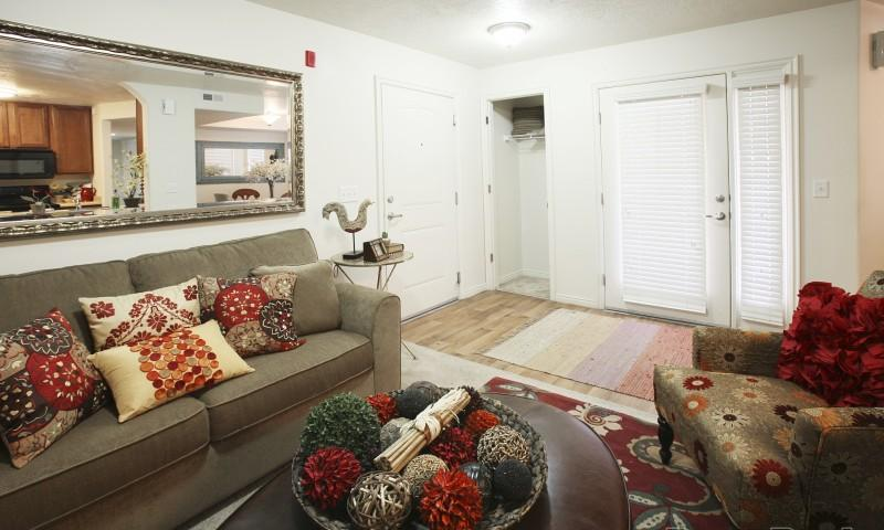 copperwood apartments is a 21 minute walk from the 703 red line at the