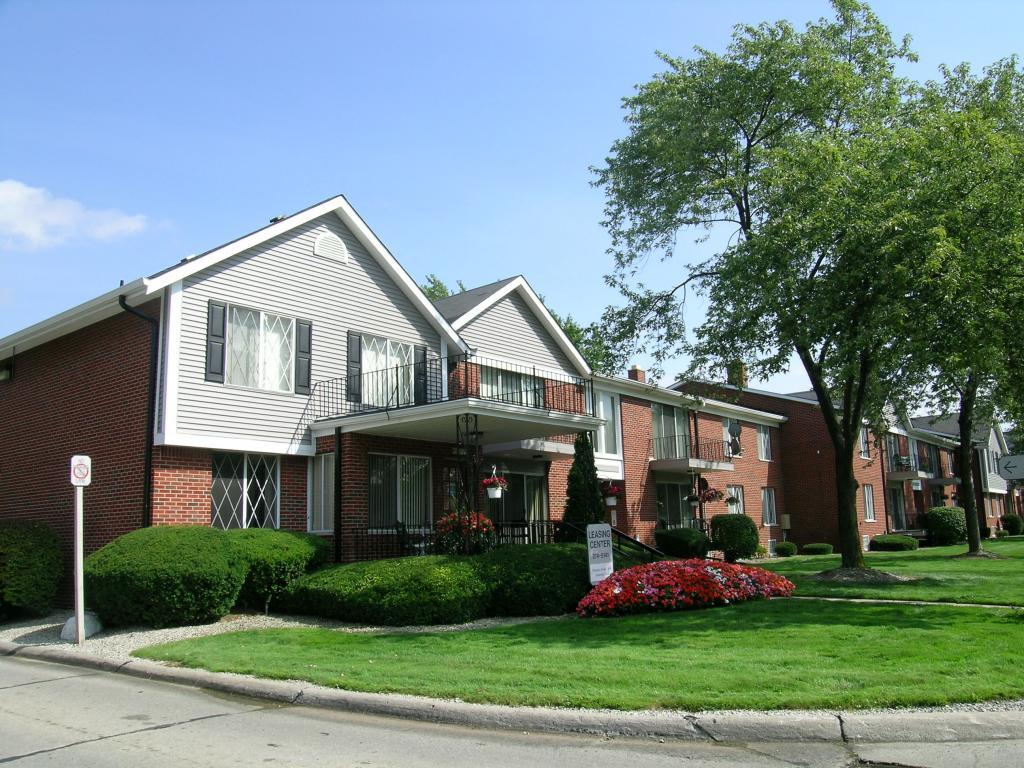 Carriage Hill Apartments Dearborn Heights Mi Walk Score