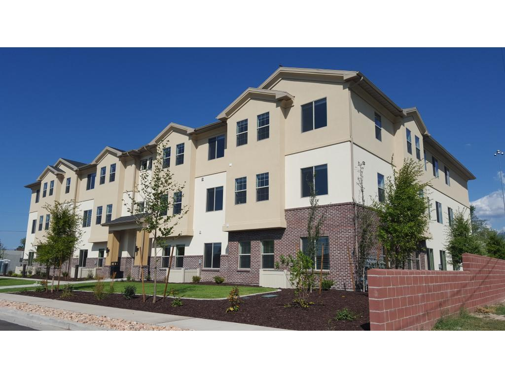 The Villas at Fern Circle Apartments photo #1