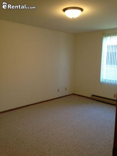 Updated 2 BR Room Apartment with Stainless Appliances in Kitchen
