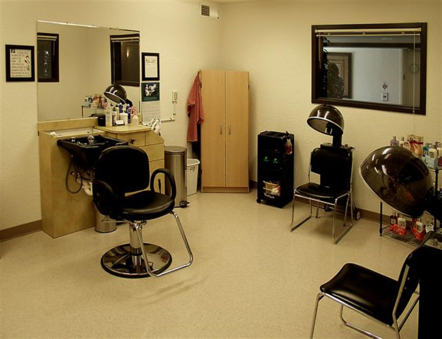 How about an onsite salon apartments st paul mn walk for 7th street salon