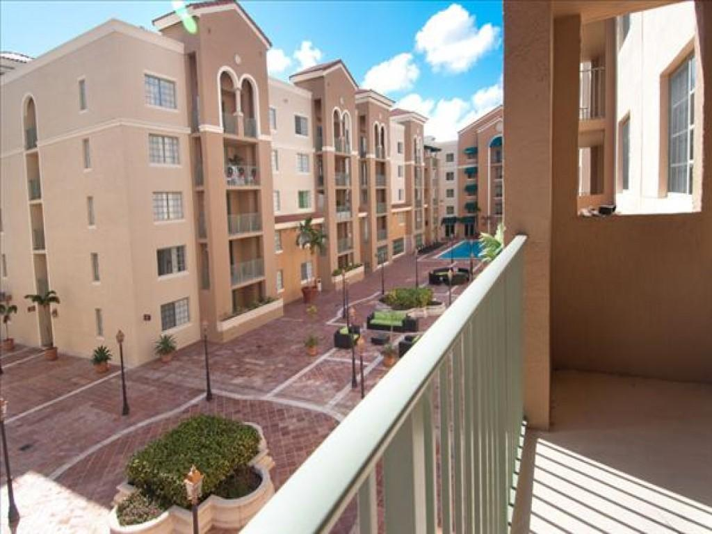 Gables Grand Plaza Apartments Coral Gables Fl Walk Score