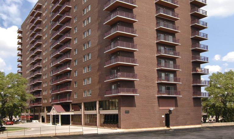 Lincoln Tower Apartments photo #1