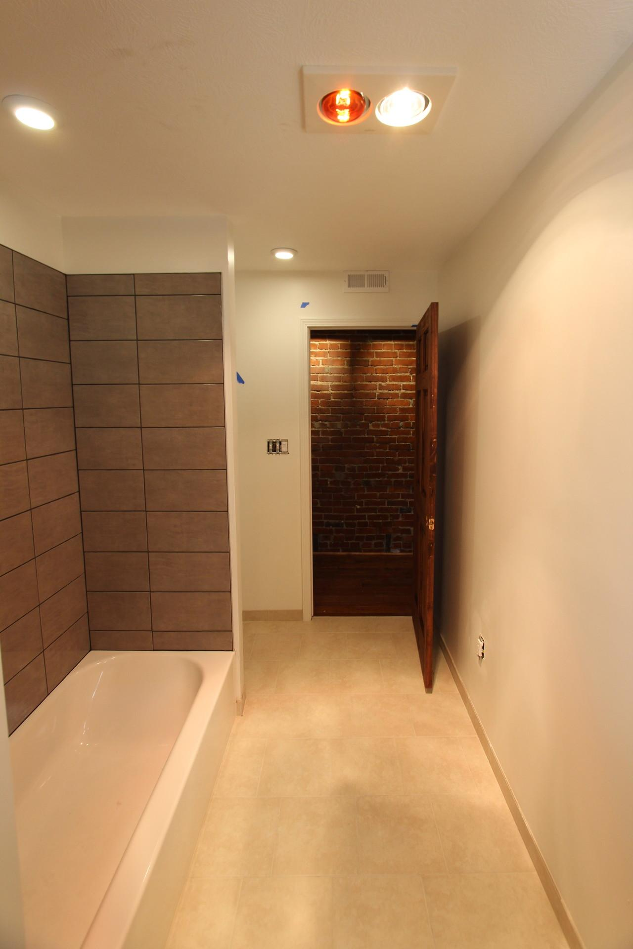 NORTH SHORE AREA LARGE LUX 2BR LOFT STYLE APARTMENT ONLY 5 MIN FROM DOWNTOWN PITTSBURGH - NO TUNNELS!!!