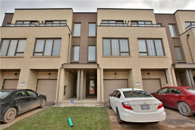 186 Squire Cres photo #1